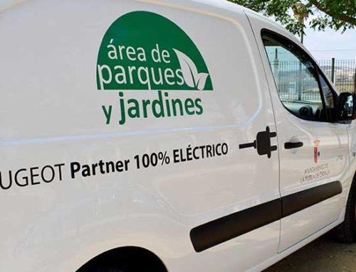 La Puebla incorpora un coche eléctrico a su servicio de Parques y Jardines